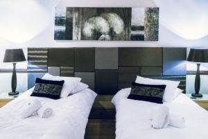 room2_twin_300