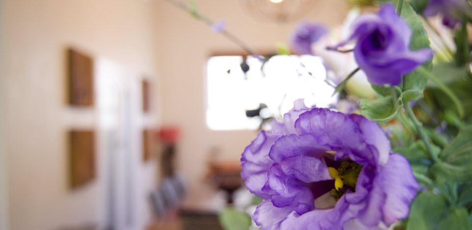 dining_flowers_closeup_web3